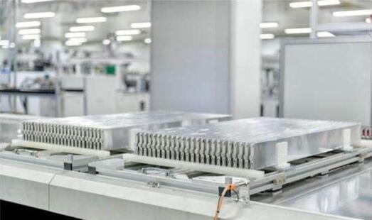 比亚迪新能源上半年销量第一 汉预售量破3万有望单挑MODEL3